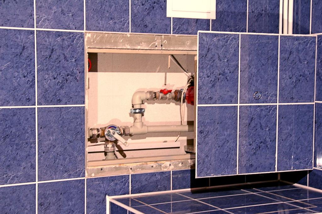 люк для сантехнического шкафа под плитку